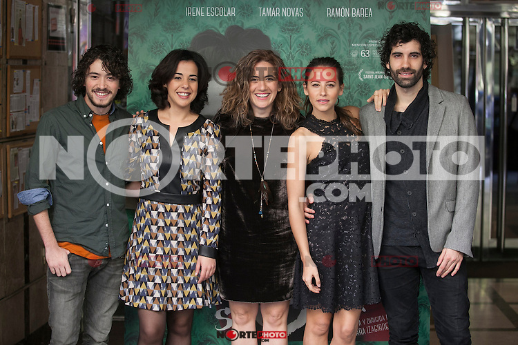 Movie director Lara Izagirre and actors Irene Escolar, Tamar Novas, Ramon Barea and Naiara Carmona pose during `Un otono sin Berlin´ film presentation in Madrid, Spain. November 10, 2015. (ALTERPHOTOS/Victor Blanco)
