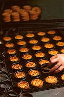 Europe/France/Bretagne/29/Finistère/Pont-Aven: Fabrication des galettes à la biscuiterie Penven