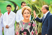 PIRACICABA,SP, 14.10.2015 - DILMA-SP. A presidente Dilma Rousseff acompanhado do governador de São Paulo Geraldo Alckmin durante a inauguração do complexo de laboratórios de biotecnologia do CTC ( Centro de Tecnologia Canavieira ), em Piracicaba (SP), nesta quarta-feira.(Foto: Mauricio Bento/ Brazil Photo Press)