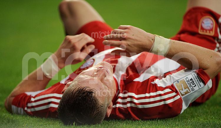 Fussball Bundesliga Saison 2010/2011 FC Bayern Muenchen - VFL Wolfsburg Bastian SCHWEINSTEIGER (FCB).