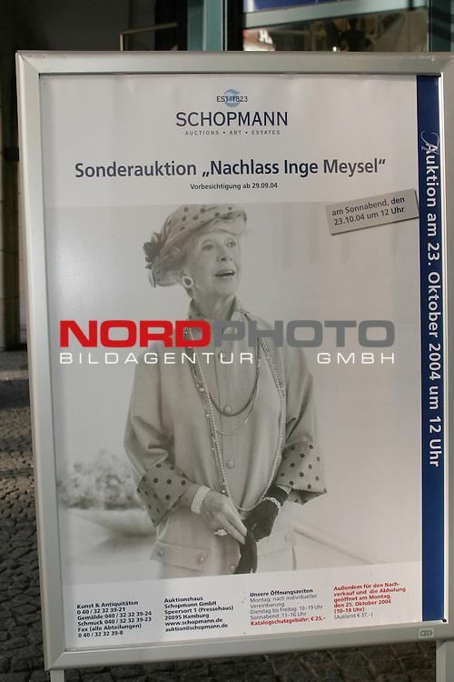 Versteigerung des Nachlass von Inge Meysel<br /> <br /> Ankuendigungsplakat fuer Sonderauktion am 23.10.2004 durch das Auktionshaus Schopmann in Hamburg.<br /> Foto &copy; nordphoto / Volker Sarbach<br />  *** Local Caption *** Foto ist honorarpflichtig! zzgl. gesetzl. MwSt.<br />  Belegexemplar erforderlich<br /> Adresse: nordphoto<br /> Georg-Reinke-Strasse 1<br /> 49377 Vechta