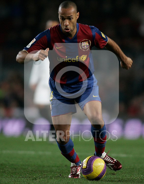 FC Barcelona's Thierry Henry during the Spanish King's Cup match between FC Barcelona and Sevilla at Nou Camp Stadium in Barcelona, January 15 2008. (ALTERPHOTOS/Acero).