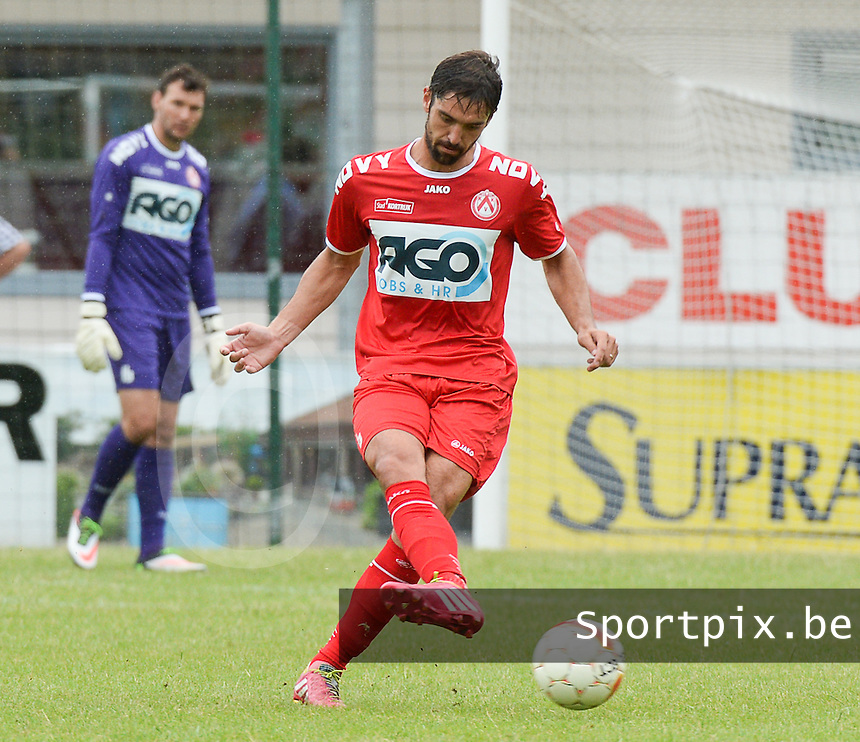 KV Kortrijk : Benoit Poulain <br /> foto VDB / BART VANDENBROUCKE