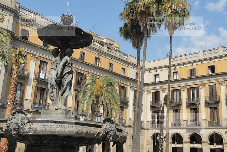 - Barcelona, Plaza Reial....- Barcellona, Plaza Reial....