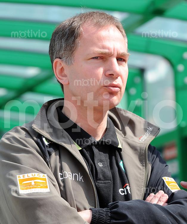 FUSSBALL     1. BUNDESLIGA     SAISON 2007/2008   31. SPIELTAG SV Werder Bremen - Energie Cottbus                           03.05.2008 Manschaftsarzt Dr. Goetz DIMANSKI (Werder Bremen)
