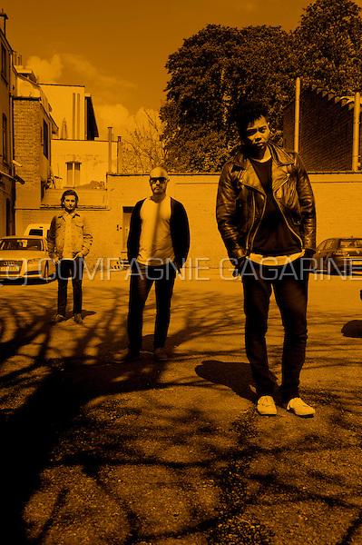 Australian indie rock band The Temper Trap (Belgium, 19/04/2012)