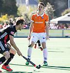 BLOEMENDAAL   - Hockey -  2e wedstrijd halve finale Play Offs heren. Bloemendaal-Amsterdam (2-2) . A'dam wint shoot outs. Yannick van der Drift (Bldaal) .  COPYRIGHT KOEN SUYK