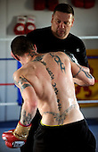 Boxer Ricky Burns in preparation (with trainer Billy Nelson) for next weeks' fight - at the Fighting Scots Gym in Stepps - Picture by Donald MacLeod 27.8.10 - mobile 07702 319 738 - clanmacleod@btinternet.com