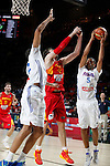 Spain´s Pau Gasol (C) and France´s Batum (R) during FIBA Basketball World Cup Spain 2014 match between Spain and France at `Palacio de los deportes´ stadium in Madrid, Spain. September 10, 2014. (Victor Blanco)