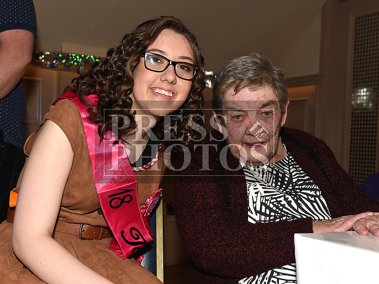 Suzanne Carroll celebrating her 18th birthday in the Thatch with grandmother Kitty Gibney. Photo:Colin Bell/pressphotos.ie