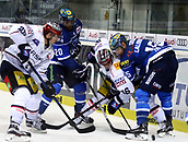 28th September 2017, Saturn Arena, Ingolstadt, Germany; German Hockey League,  ERC Ingolstadt versus Eisbaren Berlin; Jens BAXMANN (Berlin), Greg MAULDIN (Ingolstadt/US), Martin BUCHWIESER (Berlin), John LALIBERTE (Ingolstadt) fight for the held puck
