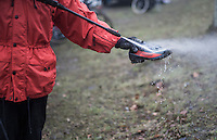 washing the mud off post-race<br /> <br /> UCI Cyclocross World Cup Namur/Belgium 2016
