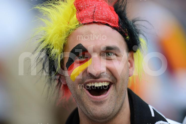 FUSSBALL  EUROPAMEISTERSCHAFT 2012   VORRUNDE Deutschland - Portugal          09.06.2012 Gut gelaunter deutscher Fan