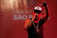 SAO PAULO, SP, 16.01.2014 ANIVERSARIO 460 ANOS SP - Cantor de Rap Dexter durante show na praça Heróis da FEB na regiao norte da cidade de Sao Paulo, para comemorar o aniversario da cidade neste sábado, 25. ( Foto :André Hanni/Brazil Photo Press).