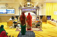 Nederland  Amsterdam 2016. Divali viering in de Shri Guru Nanak Gurdwara Sahib, een tempel van de Sikhs. Het Sikhisme is een onafhankelijk geloof dat geïnspireerd is op het hindoeïsme maar een eigen religieuze identiteit heeft.  Foto Berlinda van Dam / Hollandse Hoogte
