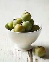 Gastronomie générale, Prune Reine-claude -  Stylisme : Valérie LHOMME // Gastronomy, Greengages, also known as the Reine Claudes, - Stylisme : Valérie LHOMME