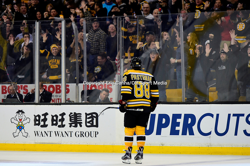 Tuesday, January 24, 2017: Fans react to Boston Bruins right wing David Pastrnak's (88) overtime goal at the National Hockey League game between the Detroit Red Wings and the Boston Bruins held at TD Garden, in Boston, Mass. Boston defeats Detroit 4-3 in overtime. Eric Canha/CSM