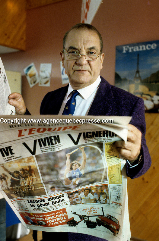 EXCLUSIVE PHOTO - French actor Jean Carmet<br />  on the set of LA CHAINE movie in Montreal, CANADA, circa 1987.