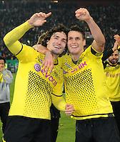 FUSSBALL   DFB POKAL   SAISON 2011/2012  ACHTELFINALE  Fortuna Duesseldorf - Borussia Dortmund              20.12.2011 Schlussjubel: Mats Hummels (li) und Sebastian Kehl (re, beide Borussia Dortmund)