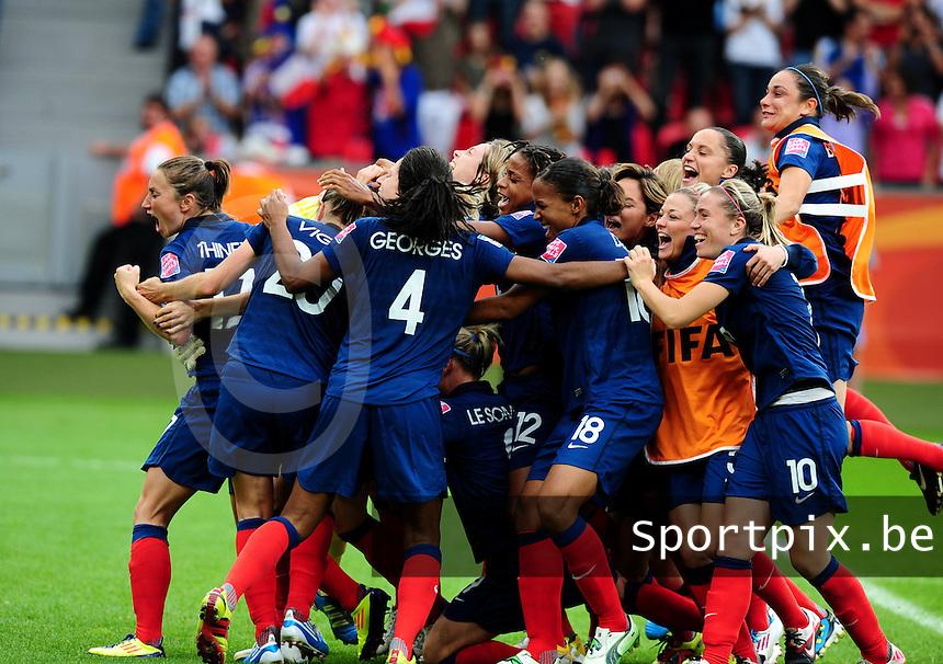 Fifa Women's World Cup Germany 2011 : England - France - at Leverkusen : vreugde en extase bij het franse team met : Elodie Thomis , Marie-Laure Delie , Sabrina Viguier en Gaetane Thiney en Camille Abily.foto DAVID CATRY / Vrouwenteam.be