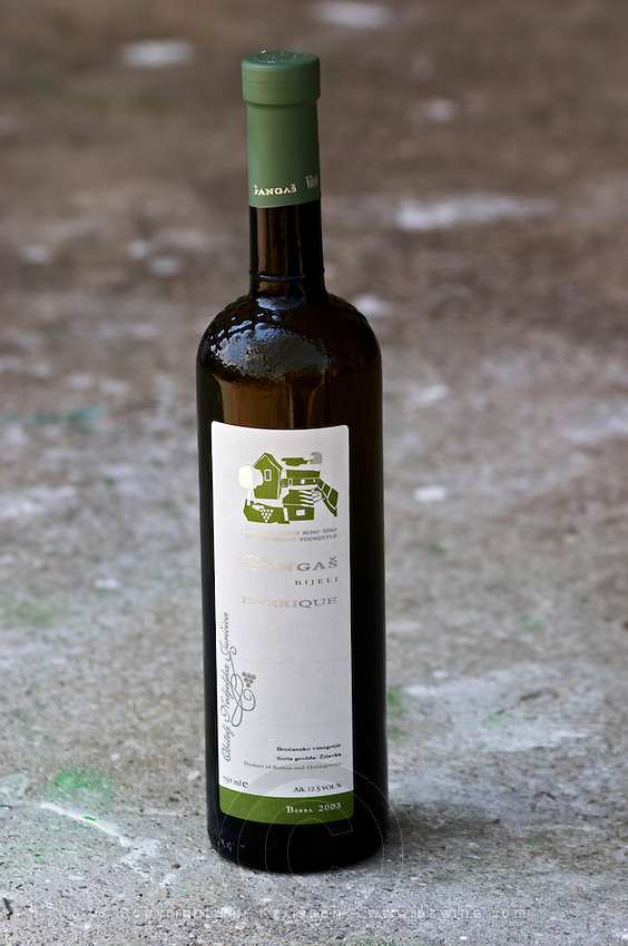 Bottle of Gangas Bijeli Barrique oak aged white wine, Zilavka, berba 2003 vintage. Vita@I Vitaai Vitai Gangas Winery, Citluk, near Mostar. Federation Bosne i Hercegovine. Bosnia Herzegovina, Europe.