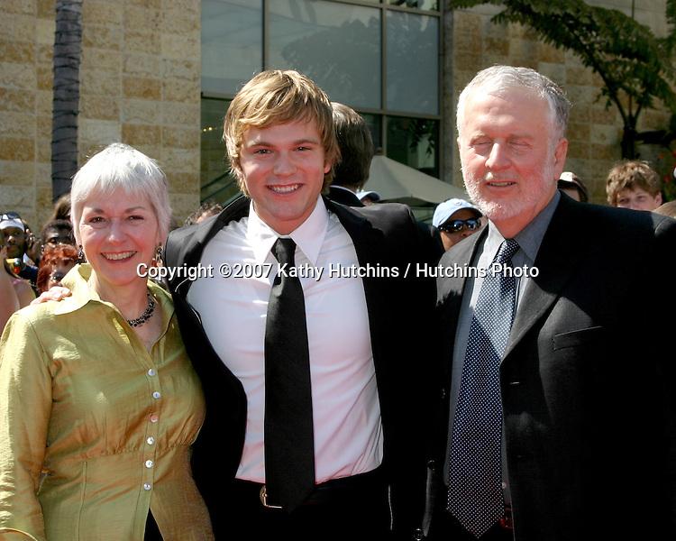 Van Hansis & Parents.Daytime Emmys 2007.Kodak Theater.Los Angeles, CA.June 15, 2007.©2007 Kathy Hutchins / Hutchins Photo....