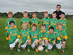Duleek/Bellewstown B under 10 team pictured with Meath Captain Seamus Kenny pictured at the GAA blitz at Bellewstown. Photo: Colin Bell/pressphotos.ie