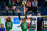 05.10.2019, Halle Berg Fidel, Muenster<br />Volleyball, Bundesliga Frauen, Normalrunde, USC MŸnster / Muenster vs. Allianz MTV Stuttgart<br /><br />Block / Doppelblock Barbara Roxana Wezorke (#11 Muenster), Liza Kastrup (#5 Muenster) - Angriff Celine van Gestel (#7 Stuttgart)<br /><br />  Foto © nordphoto / Kurth