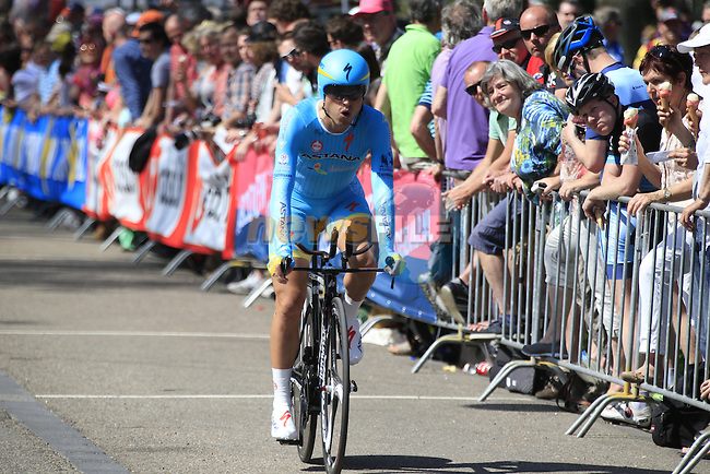 Valerio Agnoli (ITA) Astana crosses the finish line of Stage 1 of the 2016 Giro d'Italia, an individual time trial of 9.8km around Apeldoorn, The Nethrerlands. 6th May 2016.<br /> Picture: Eoin Clarke | Newsfile<br /> <br /> <br /> All photos usage must carry mandatory copyright credit (&copy; Newsfile | Eoin Clarke)