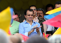 VILLETA - COLOMBIA. 17-05-2014.  Oscar Ivan Zuluaga candidato presidencial en Colombia por el partido Centro democrático durante su visita a Villeta, Colombia hoy 18 de mayo de 2014 previo a las elecciones presidenciales el próximo 25 de mayo de 2014./ Oscar Ivan Zuluaga presidential colombian canditate by Democratic Center party during his visit to Villeta, Colombia, today May 18 2014 prior the Presidential elections in May 25 2014. Photo: VizzorImage / Nestor Silva / Cont