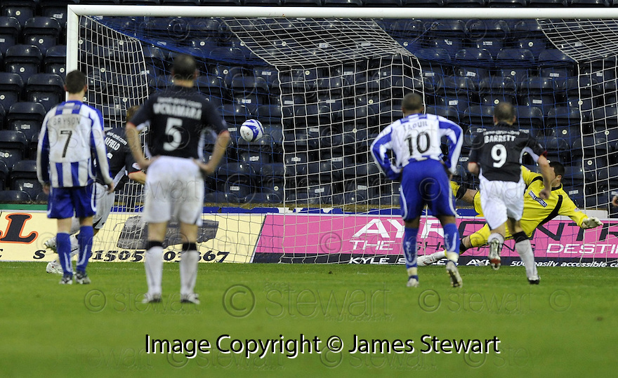 25/10/2008  Copyright Pic: James Stewart.File Name : sct_jspa07_kilmarnock_v_falkirk.SCOTT ARFIELD SCORES FROM THE PENALTY SPOT.James Stewart Photo Agency 19 Carronlea Drive, Falkirk. FK2 8DN      Vat Reg No. 607 6932 25.Studio      : +44 (0)1324 611191 .Mobile      : +44 (0)7721 416997.E-mail  :  jim@jspa.co.uk.If you require further information then contact Jim Stewart on any of the numbers above........