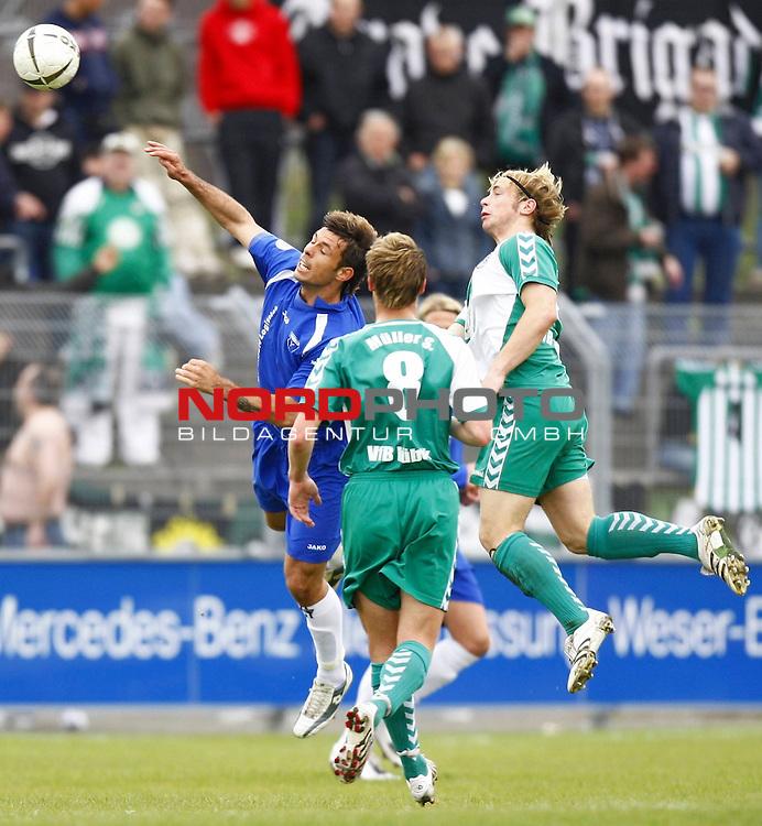 RLN 2007/2008 32. Spieltag  R&uuml;ckrunde<br /> BSV Kickers Emden -  VfB L&uuml;beck<br /> Radovan Vujanovic (Kickers Emden # 10) - Dennis Wehrendt (VfB L&uuml;beck / Luebeck # 28), vorne: Steve M&uuml;ller (VfB L&uuml;beck / Luebeck # 8)<br /> Foto &copy; nph (  nordphoto  )<br /> <br /> <br /> <br />  *** Local Caption ***