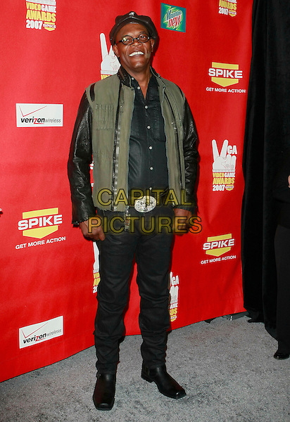 "SAMUEL L. JACKSON.Spike TV's 2007 ""Video Game Awards"" held at Mandalay Bay Hotel Casino, Las Vegas, Nevada, USA, .07 December 2007..full length cap hat glasses.CAP/ADM/JE.©Judy Eddy/AdMedia/Capital Pictures."