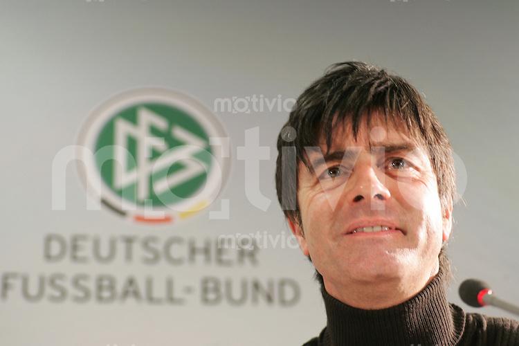Fussball Deutschland   Pressekonferenz Nationalmannschaft       Bundestrainer Joachim LOEW waehrend der Pressekonferenz.