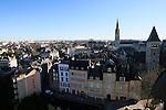 20080110 - France - Aquitaine - Pau<br /> VUES DEPUIS LE CHATEAU DE PAU SUR LA VILLE, LE GAVE ET LES PYRENEES.<br /> Ref : PAU_048.jpg - © Philippe Noisette.