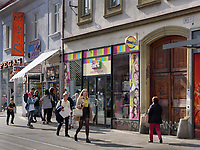 Geschäfte auf der Obchodna, Bratislava, Bratislavsky kraj, Slowakei, Europa<br /> shops at Obchodna, Bratislava, Bratislavsky kraj, Slovakia, Europe