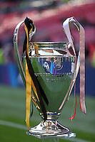 LONDRES, INGLATERRA, 25 DE MAIO 2013 - LIGA DOS CAMPEOES DA EUROPA BAYERN DE MUNIQUE X BORUSSIA DORTMUND - Taça da Liga dos Campeões da Europa é visto momentos antes da partida entre Bayern de Munique e Borussia Dortmund no Estádio de Wembley em Londres na Inglaterra, neste sábado, 25. (FOTO: PIXATHLON / BRAZIL PHOTO PRESS).