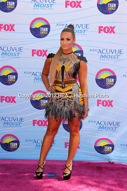LOS ANGELES - JUL 22:  Demi Lovato arriving at the 2012 Teen Choice Awards at Gibson Ampitheatre on July 22, 2012 in Los Angeles, CA