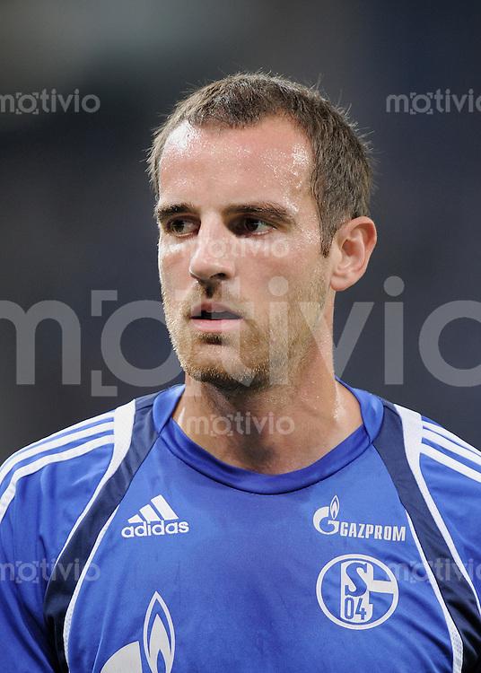 FUSSBALL   1. BUNDESLIGA   SAISON 2010/2011  3. SPIELTAG    10.09.2010 TSG 1899 Hoffenheim - FC Schalke 04                  Christoph Metzelder (FC Schalke 04)