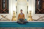 29.1.2014, Berlin. Sehitlik-Moschee in Berlin-Neukölln. Dana Rothschild, Mitbegründerin der Salaam-Shalom Initiative.