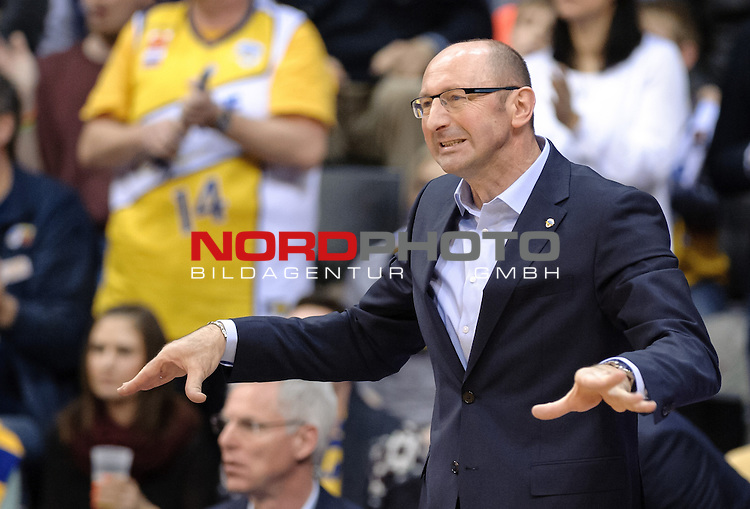 29.03.2015, EWE Arena, Oldenburg, GER, BBL, EWE Baskets Oldenburg vs Artland Dragons, im Bild Mladen Drijencic (Trainer EWE Baskets Oldenburg)<br /> <br /> Foto &copy; nordphoto / Frisch