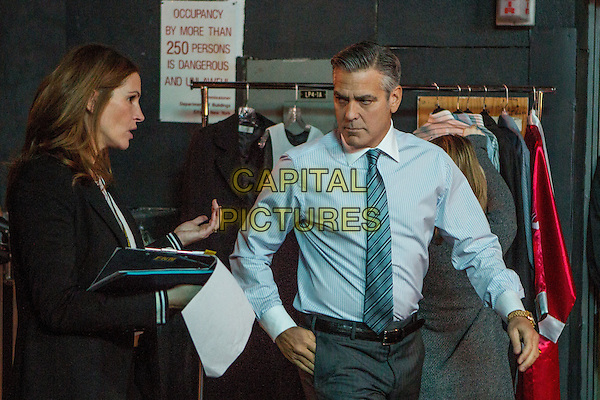 Money Monster (2016) <br /> Julia Roberts, George Clooney  <br /> *Filmstill - Editorial Use Only*<br /> CAP/KFS<br /> Image supplied by Capital Pictures