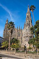 Spain, Gran Canaria, Arucas: The Neogothic Catedral de San Juan | Spanien, Gran Canaria, Arucas: Catedral de San Juan