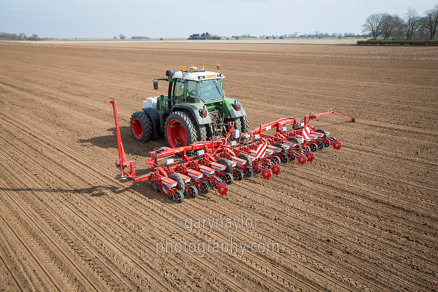 Drilling sugar beet with GPS autosteer with RTK & Kverneland GeoSeed technology