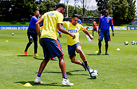 BOGOTA, COLOMBIA - JUNE 5: Colombia's Falcao Garcia (C), fights for the ball with Yerry Mina (L), during a training session of the national soccer team on June 5, 2019 in Bogota, Colombia. Colombia will face Argentina, Paraguay and Qatar on their first stage of the Copa America Brazil 2019. (Photo by VIEWPRESS/Leonardo Muñoz)