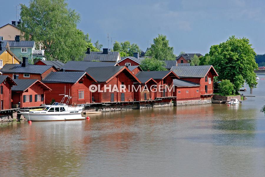 Casas de madeira na cidade de Porvoo. Finlândia. 2007. Foto de Vinicius Romanini.