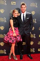 BURBANK - APR 26: Justin Hartley, Chrishell Stause at the 42nd Daytime Emmy Awards Gala at Warner Bros. Studio on April 26, 2015 in Burbank, California