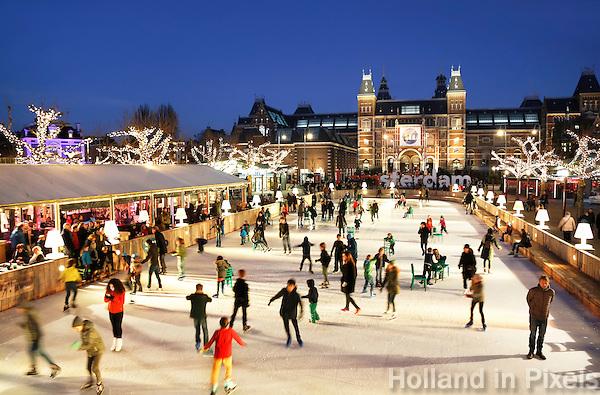 Nederland Amsterdam 2015. IJsbaan op het Museumplein.  Foto Berlinda van Dam / Hollandse Hoogte