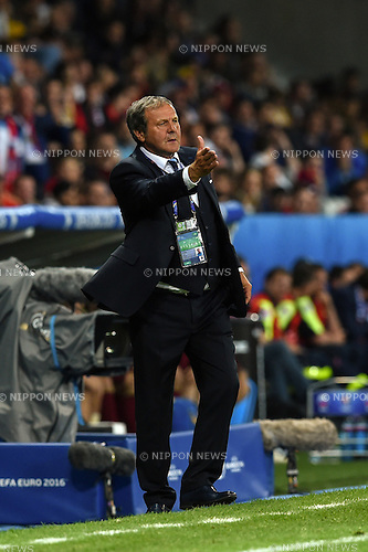 Jan Kozak Coach (Slovakia) ; <br /> June 15, 2016 - Football : Uefa Euro France 2016, Group B, Russia 1-2 Slovakia at Stade Pierre Mauroy, Lille Metropole, France. (Photo by aicfoto/AFLO)