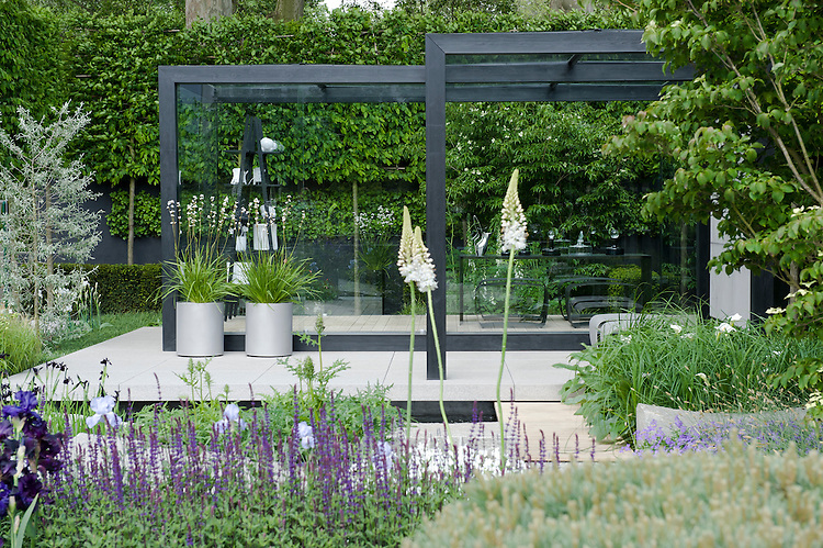 Daily Telegraph Garden, designed by Ulf Nordfjell, RHS Chelsea Flower Show 2009.